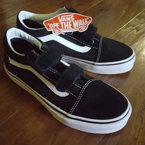 NWT Old Skool Kids black and white Vans shoes size